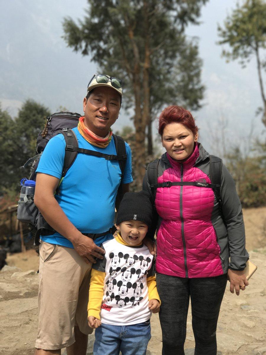 Dendi Sherpa, Pasang og Mingma.